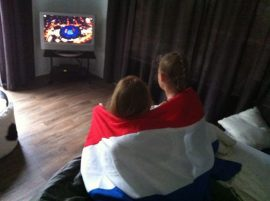 Maaike & Brecht; Watching the Opening Ceremony from the Netherlands (Dutch)