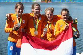 Maaike & Brecht; Dag 6  Vrouwen doen het in Team NL! (Dutch)